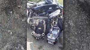 mom u0027s viral photo after crash shows why car seats are so important