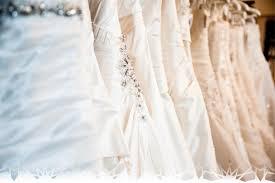 essayage robe de mari e se marier enceinte l de choisir sa robe de mariée site d