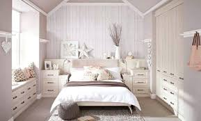 chambre blanche et chambre blanc image with deco chambre blanche et taupe
