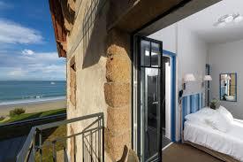 la chambre en direct chambre côté cour balcon chambre 3 étoiles perros guirec chambre