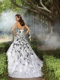 brautkleid schwarz weiss gotische tulle schwarz weiß hochzeitskleid brautkleid
