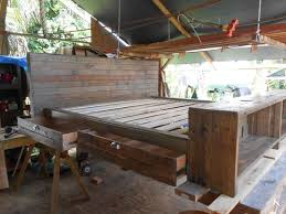 How To Make A Platform Bed With Pallets by Diy Pallet Platform Bed Do It Your Self