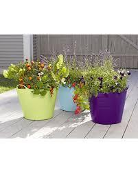 Self Watering Garden Containers Self Watering Tubtrug Planter Gardener U0027s Supply Company