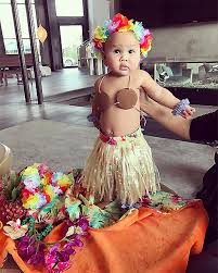 Hawaiian Halloween Costume Chrissy Teigen U0027s Daughter U0027s Halloween Costumes Instyle