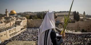 prayers for sukkot 50 000 gather for priestly blessing on sukkot as jerusalem becomes