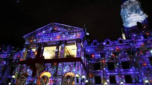 light projectors house projection mapping