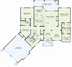 house plans with vaulted ceilings vaulted ceiling bungalow house plans lightneasy