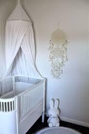 diy chambre bébé diy dreamcatcher pour la chambre bébé symbolique et importance