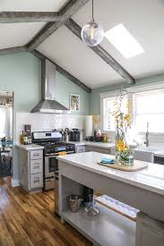 paint colors that match this apartment therapy photo sw 7020