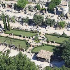 fontaine en pierre naturelle ateliers alain bidal taille de pierre vaucluse