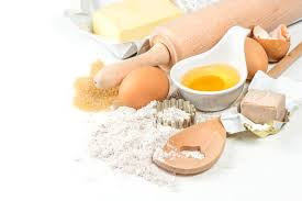 levure cuisine farine oeufs levure sucre beurre ustensiles en bois de cuisine