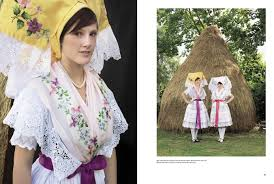 Traditional by Gestalten Traditional Couture