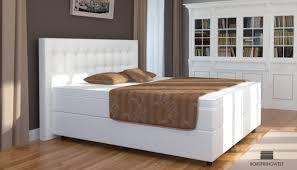 Kleines Schlafzimmer Mit Boxspringbett Pin Von Heiko Auf Schlafzimmer Pinterest Boxspringbett