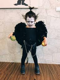 kindergartener teams up with little sister to pull off cutest ryuk