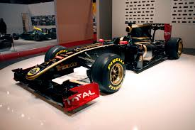 john player special livery renault reveal 2011 lotus livery on last year u0027s car f1 fanatic