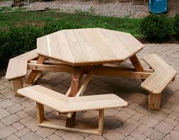 Outdoor Patio Table Plans Free by Red Cedar Octagon Walk In Picnic Table