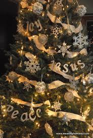 diy tree word decorations