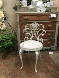 Shabby Chic Vanities by Sold Shabby Chic Vanity Chair Before U0026 After U2014 Finders Keepers