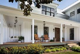 farmhouse porches 4 elements of a modern farmhouse exterior