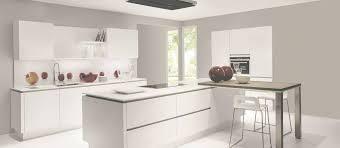 cuisine designer italien modele de cuisine blanche trendy idees de design de maison cuisine