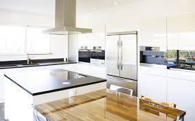 cuisine blanc laqué plan travail bois cuisine bla nouvelle photo cuisine blanc laqué plan travail bois