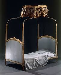 letto a baldacchino antico letto con baldacchino in legno intagliato avorio e laccato cm