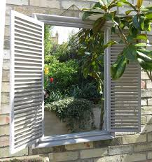 garden mirrors applications to reflect the outdoor and styles