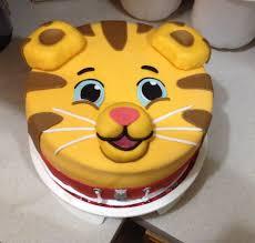 daniel tiger cake daniel tiger birthday cake cakes i ve made daniel