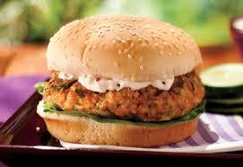 cuisiner un hamburger hamburgers de saumon au barbecue recette recettes à cuisiner