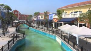 shoing canap grand canal at the venice shopping mall outside hua hin