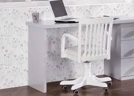 bureau qualité chambre avec lit et bureau chez ksl living