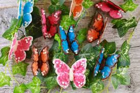 How To Make Cake Decorations How To Make Chocolate Butterflies For Easy Cake Decorating Bold