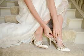 wedding shoes tips 3 tips to choose the right wedding shoes