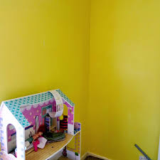 tiaras prozac becky and lolo scroll tree wall stickers review a very nice yet somewhat boring yellow wall