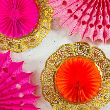 diy doily fan decorations idea pink and orange buffet