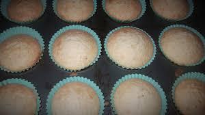 halloween glass in the eyeball cupcakes