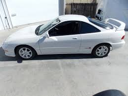 acura integra pristine 1997 acura integra type r hits 40 000 on ebay only 10k