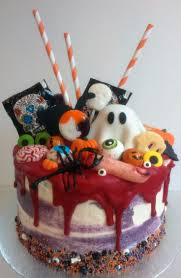 birthday cake halloween 16 best drip cakes van bakatelier images on pinterest drip cakes