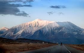 அழகு மலைகளின் காட்சிகள் சில.....01 Images?q=tbn:ANd9GcSzH5mD5cf4p6J_UMiwFzNuCtWzH76i3NOf7vkA2wQFHhczX2r-