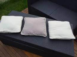 couture coussin canapé des coussins avec ganse pour mon canapé tricots malins