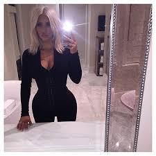 Bathroom Mirror Selfies by 24 Kim Kardashian Mirror Selfies You Need To See All Over Again