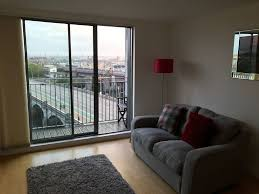 livingroom glasgow perfect location river views perfect location glasgow city centre
