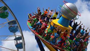 Six Flags Holiday In The Park 2014 Six Flags Gibt Ausblick Auf 2017 Neuheiten Aller Freizeitparks