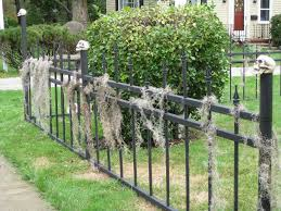 Cute Halloween Yard Stakes by Halloween Cemetery Fence 15 Steps