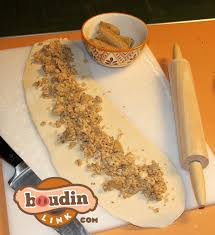 king cakes online boudin cracklin king cake the original boudin link south
