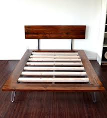 Diy Platform Bed Queen Size by Best 25 King Size Platform Bed Ideas On Pinterest Queen