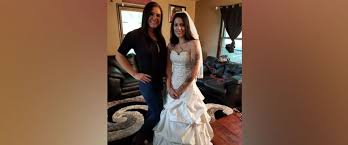 The Wedding Dress Sisterhood Of The Wedding Dress Bride Pays It Forward By Lending