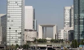 immobilier de bureaux immobilier un fond d abou dhabi veut vendre 1 5 mde de bureaux à
