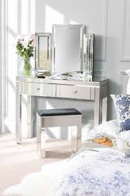 Mirrored Bedroom Furniture Hooker Bedroom Furniture With Tufted Headboard Bed And 3 Drawers