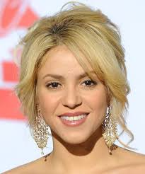 what color is shakira s hair 2015 shakira height weight body statistics favorites healthy celeb